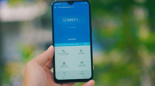 Samsung Galaxy M20 sở hữu cấu hình tầm trung