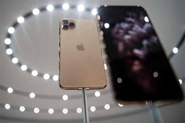 Bộ ba iPhone 11 mang ngôn ngữ thiết kế với màn hình tràn viền và khung kim loại