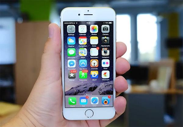 Thông qua màn hình hiển thị cũng giúp bạn kiểm tra iPhone chính hãng
