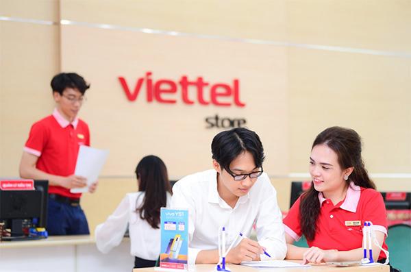 Rất nhiều những ưu đãi khi mua điện thoại tại Viettel Store